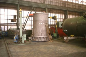 Pfahlführung - Fertigung / Pile sleeve in production hall
