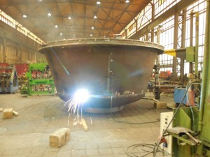 Bleikessel in Produktion / production of lead melting cauldron