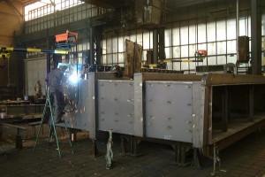 Füllschacht - Fertigung / waste feed chute in production