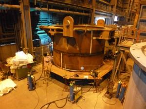 Montage Konverteruntergefaß / Installation converter lower vessel