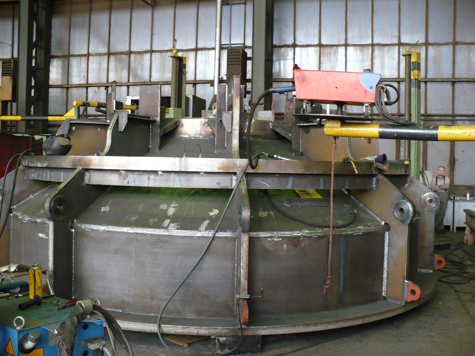 Teil Pfahlführung / Part of pile sleeve in production