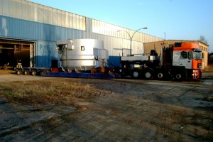 Schrottkorb - Transport / Scrap charging bucket on transport
