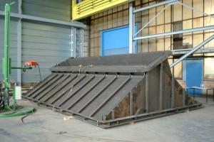 Trichter von einem Füllschacht / Upper part of a feed chute