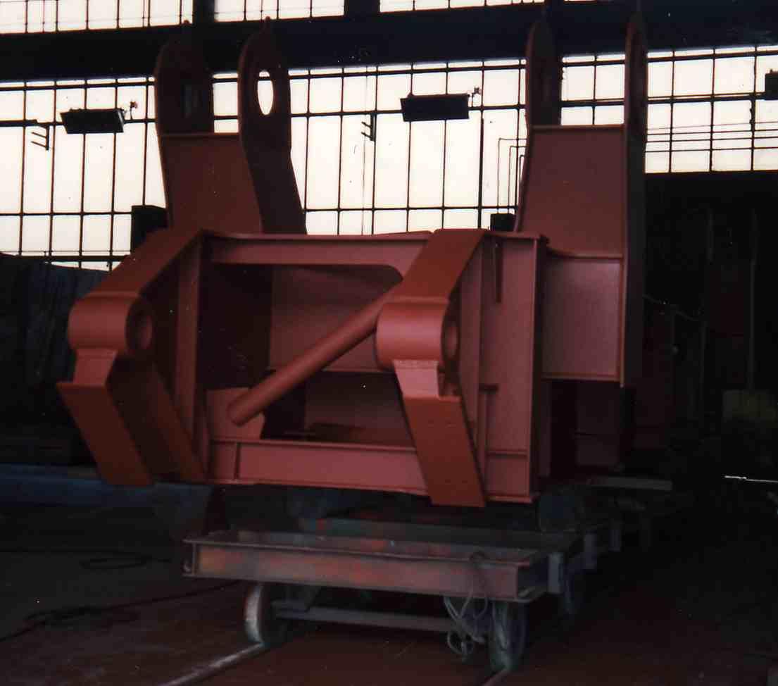 Hochbaggerplanierstück / Part of a huge bulldozer