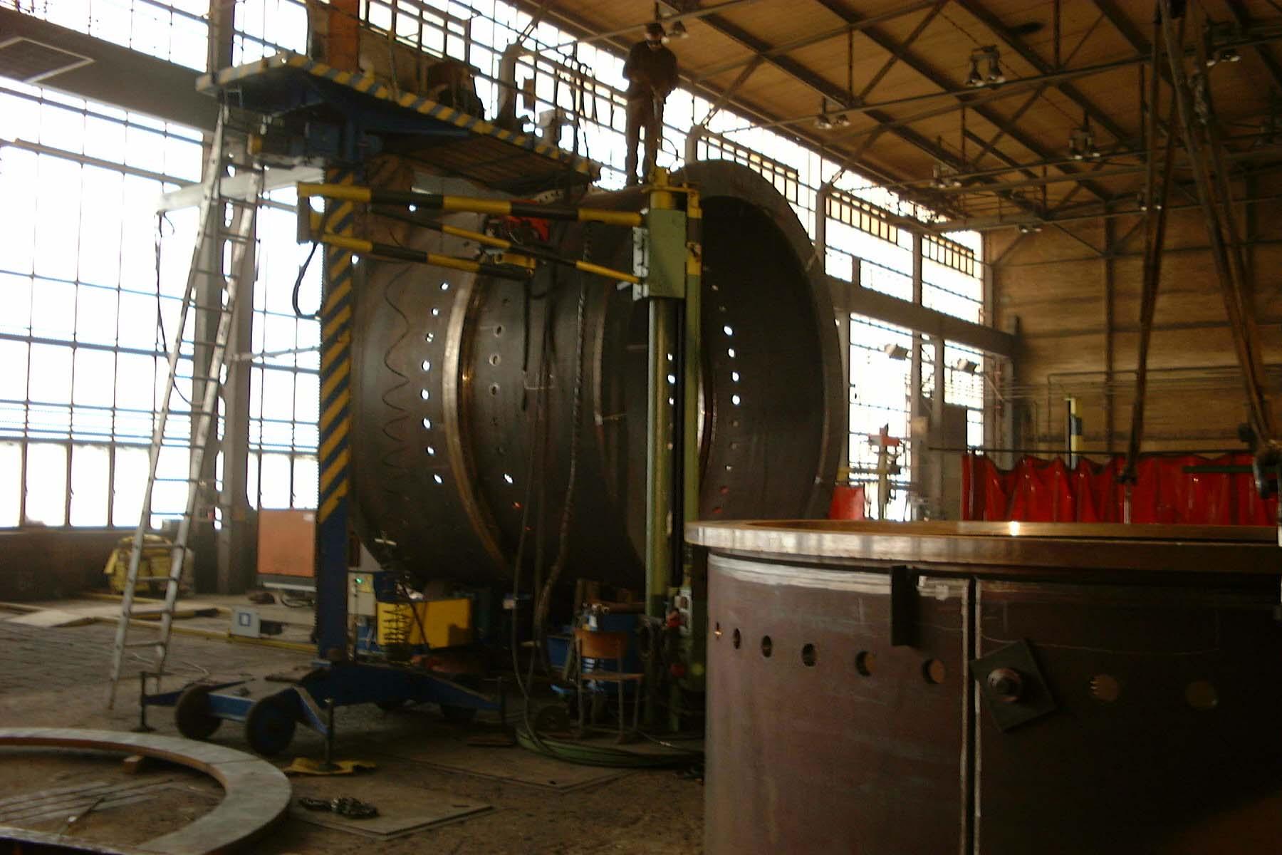 undamentteil von ein Windturm - Fertigung / Foundation element - in production